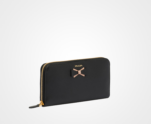 d7fd301416a5 ... Large Saffiano leather wallet with bow Prada BLACK/PALE PINK ...