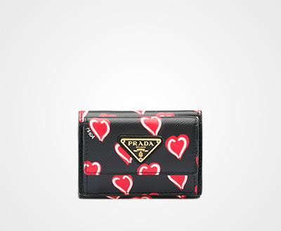 Small printed Saffiano leather wallet BLACK HEARTS MOTIF FIERY RED Prada e368302ed9b