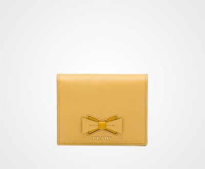 bb2c169636c5 リボン付 「サフィアーノ」レザー 財布 ライトイエロー/イエロー Prada
